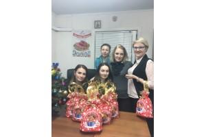 «ДюбуА» поздравила сотрудников с наступающим Новым годом!