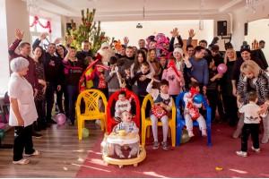 Компания «ДюбуА» поздравила ребят из детских домов с наступающим Новым годом