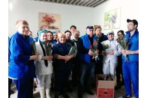 На «ДюбуА» поздравили сотрудниц с 8 марта